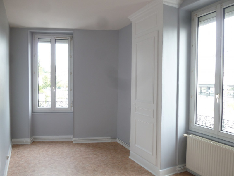 Rental apartment Oullins 516€ CC - Picture 1