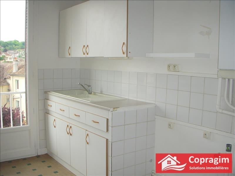 Rental apartment Montereau fault yonne 660€ CC - Picture 6