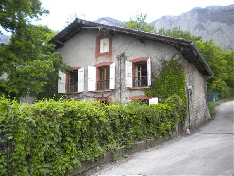 Location maison / villa St ismier 900€ CC - Photo 1