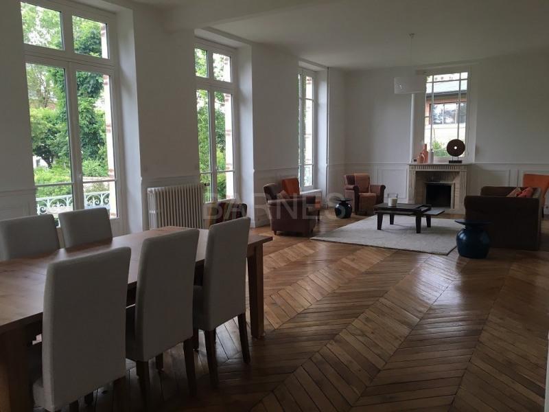 A croissy-sur-seine à vendre hôtel particulier ancien entieremen Quesnoy-sur-Deûle