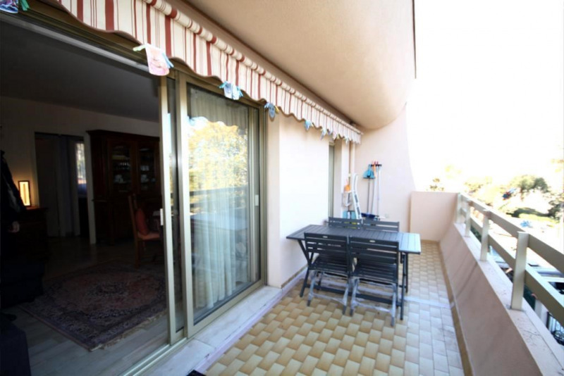 Rental apartment Antibes 960€ CC - Picture 4