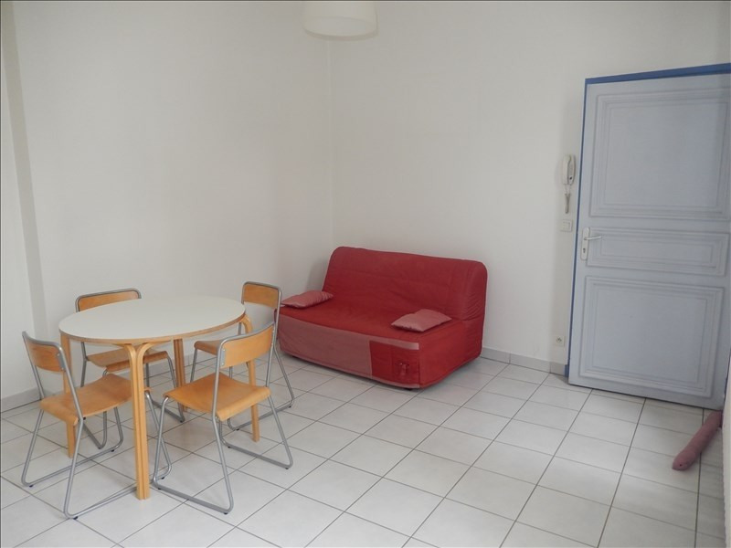 Rental apartment Le puy en velay 419,79€ CC - Picture 2