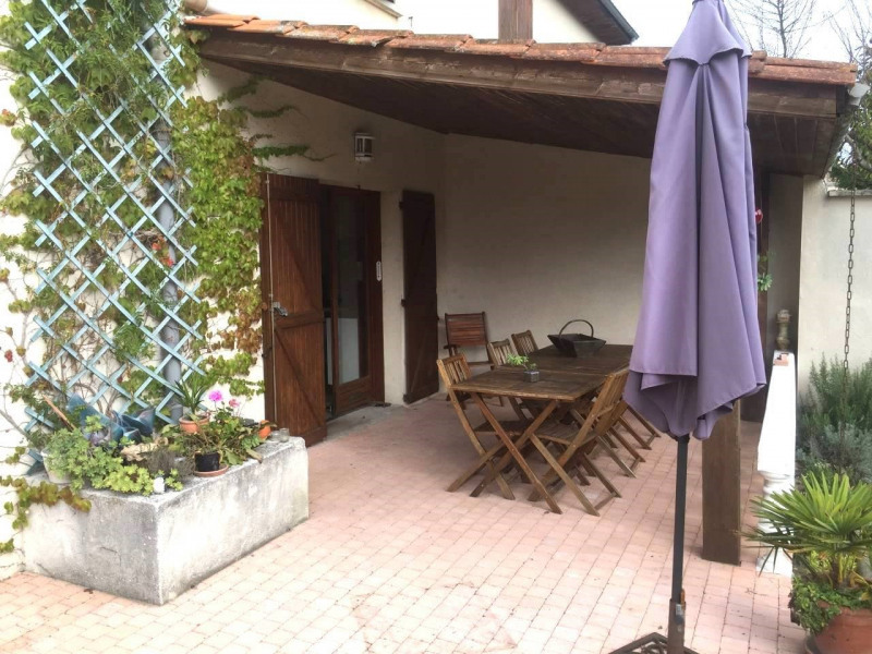 Investment property house / villa Gensac-la-pallue 420000€ - Picture 2