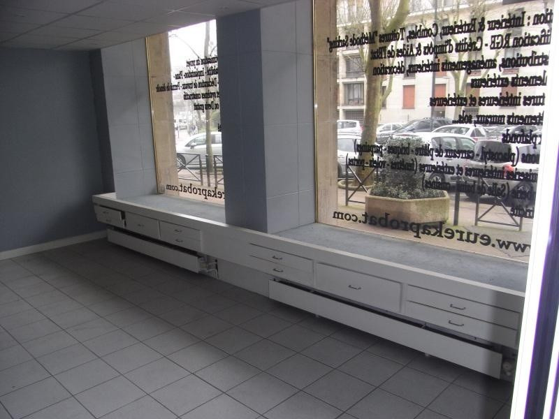 Location local commercial Meudon la foret 2 040€ +CH/ HT - Photo 5