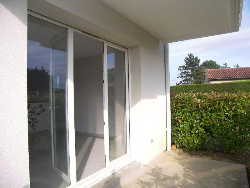 Location appartement Estillac 431€ CC - Photo 2