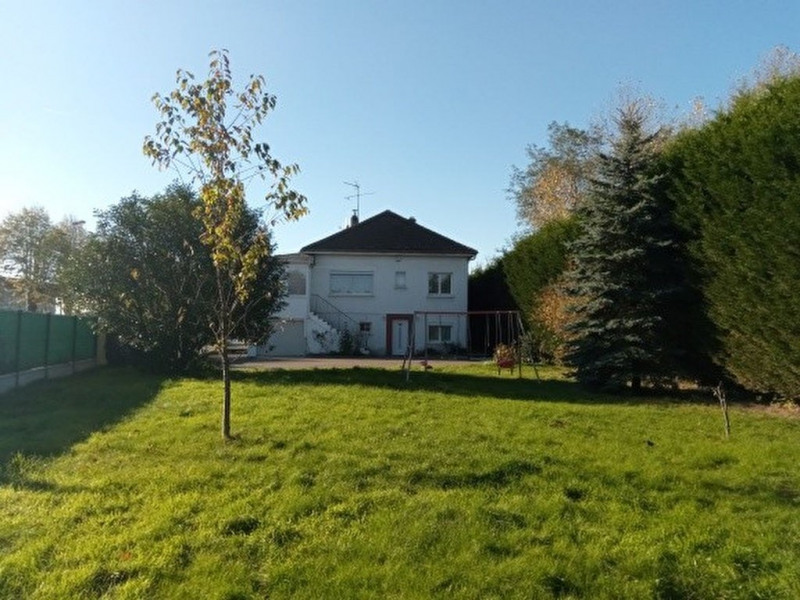Maison Grandvilliers 10 pièce (s) 180 m²