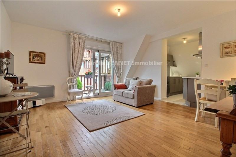 Sale apartment Deauville 225000€ - Picture 1