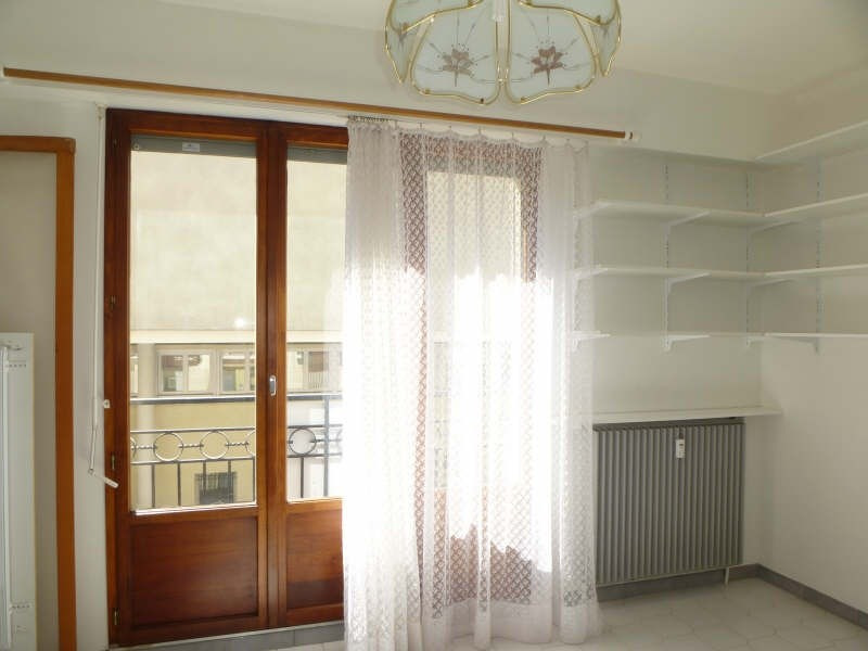 Location appartement Nimes 398€ CC - Photo 2