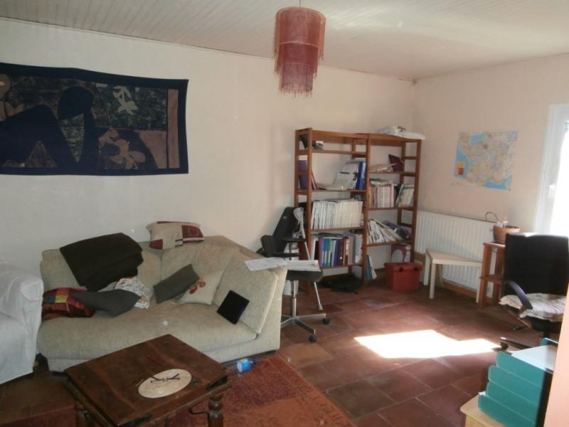Sale house / villa Saint pierre d'eyraud 165250€ - Picture 5