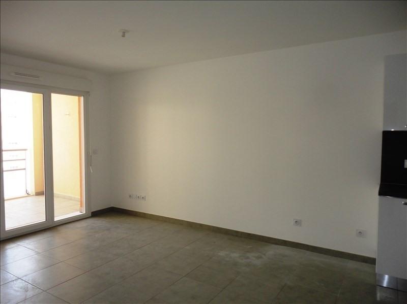 Locação apartamento Toulon 574€ CC - Fotografia 1
