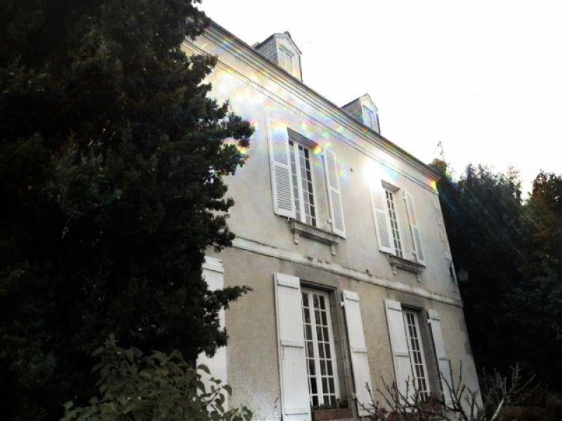 Deluxe sale house / villa Laval 682500€ - Picture 2