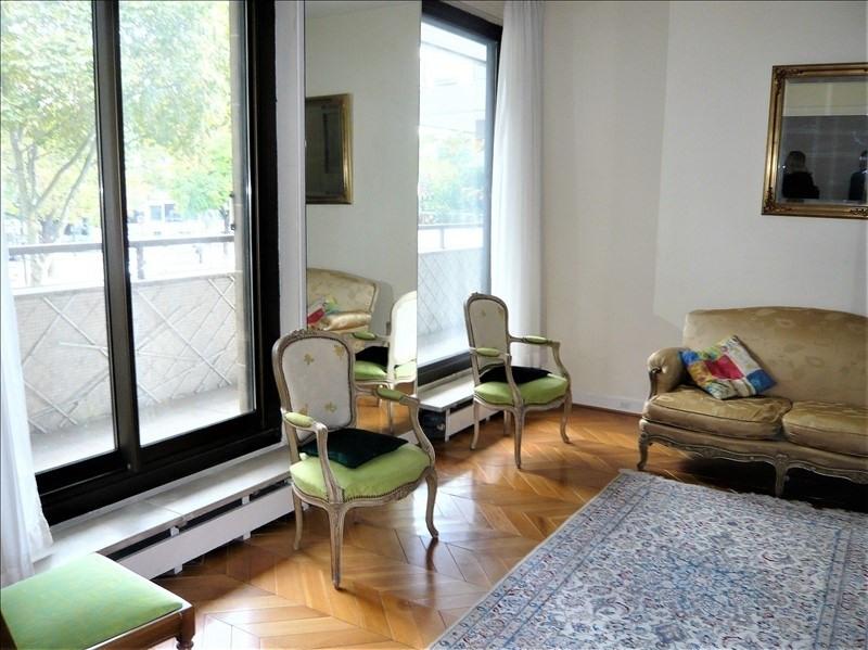 Revenda apartamento Paris 7ème 870000€ - Fotografia 1