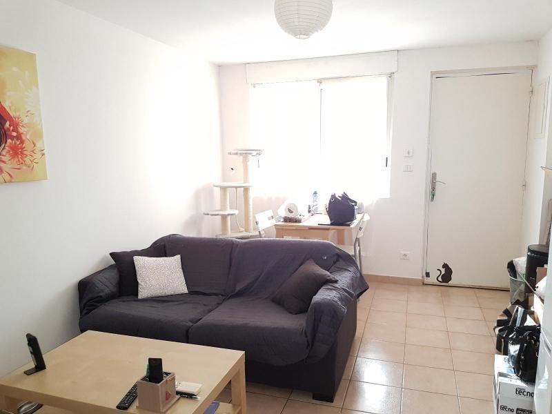 Affitto appartamento Éguilles 548€ CC - Fotografia 1