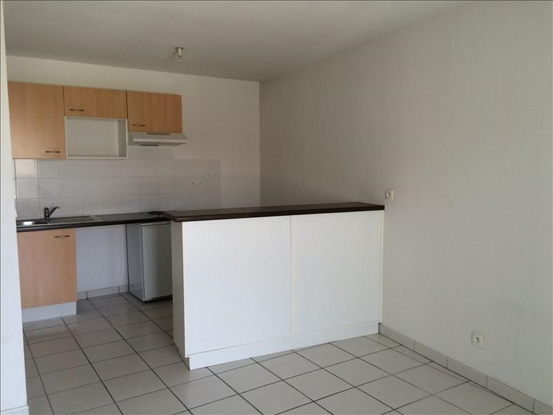 Rental apartment St lys 449€ CC - Picture 2
