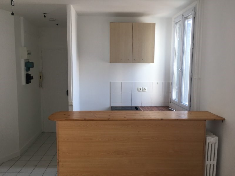 Location appartement Colombes 790€ CC - Photo 2