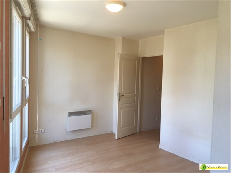 Rental apartment Angouleme 396€ CC - Picture 9