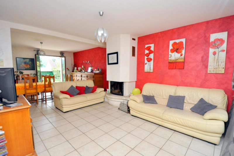 Sale house / villa St cheron 257 000€ - Picture 1