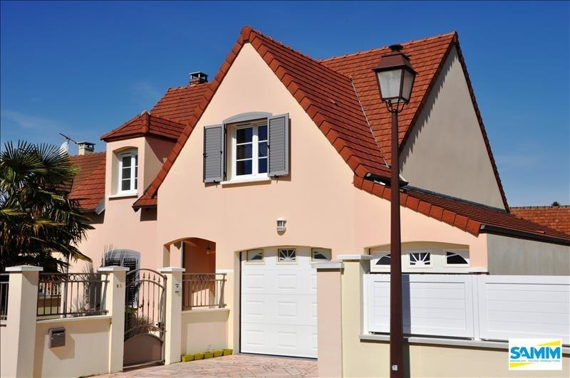 Sale house / villa Fontenay le vicomte 390000€ - Picture 1