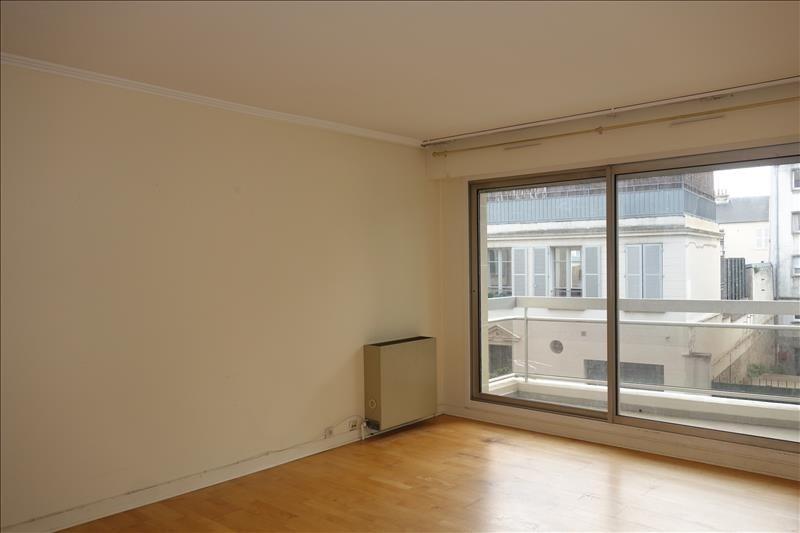 Sale apartment Versailles 309750€ - Picture 1