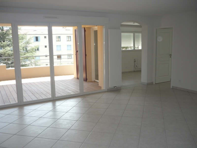 Rental apartment Manosque 1 150€ CC - Picture 2