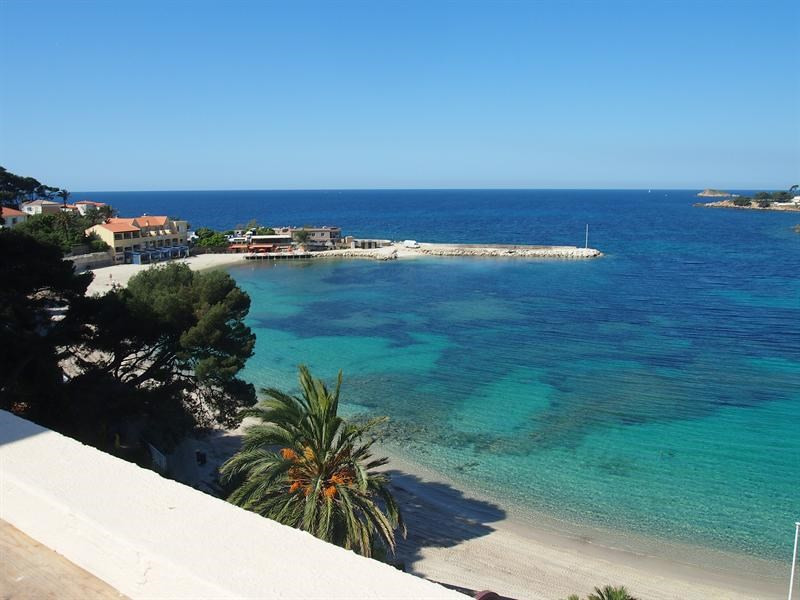Vacation rental apartment Bandol 950€ - Picture 1
