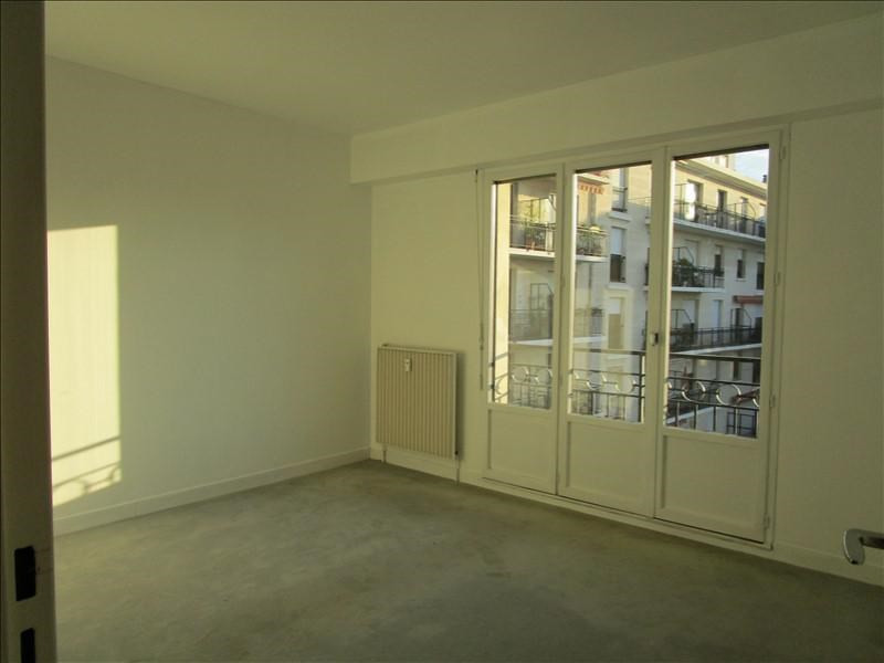 Rental apartment Quartier revolution 830€ CC - Picture 6