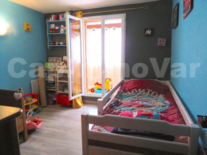 Sale house / villa Le beausset 286000€ - Picture 6