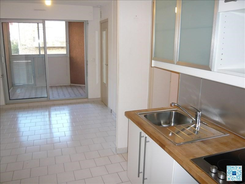 Rental apartment Sete 450€ CC - Picture 1