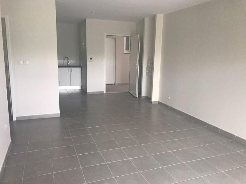 Location appartement Les trois ilets 780€ CC - Photo 6