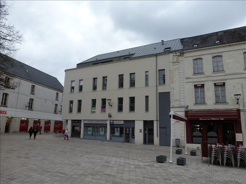 Location appartement Chatellerault 855€ CC - Photo 1
