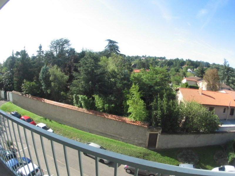 Rental apartment Oullins 740€ CC - Picture 1
