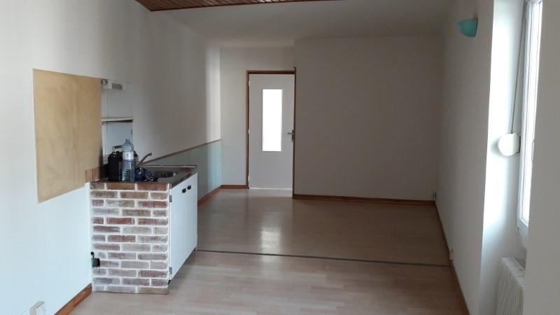 Location appartement Vieillevigne 355€ CC - Photo 1