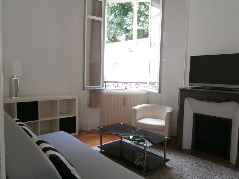 Location appartement Fontainebleau 900€ CC - Photo 2