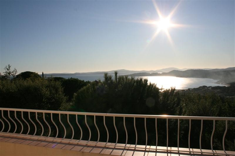 Vacation rental house / villa Les issambres 2 250€ - Picture 2