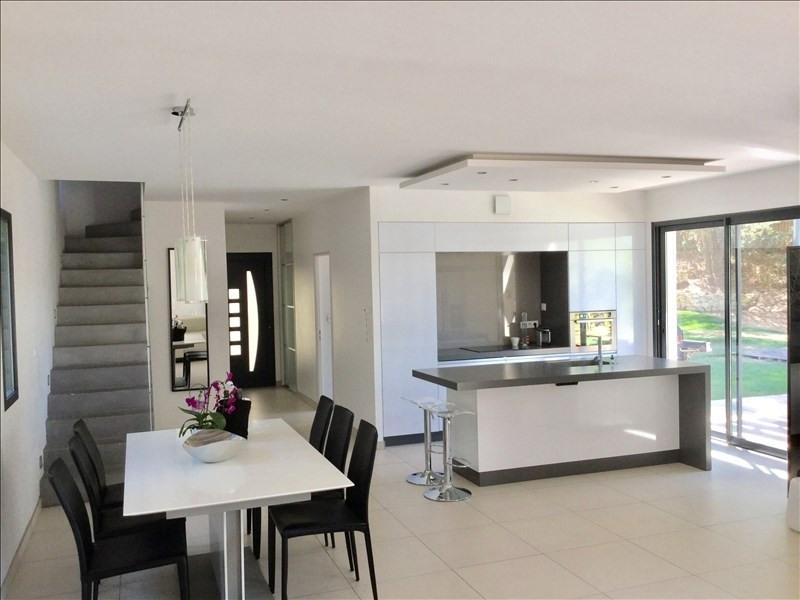 Deluxe sale house / villa Ventabren 890000€ - Picture 2
