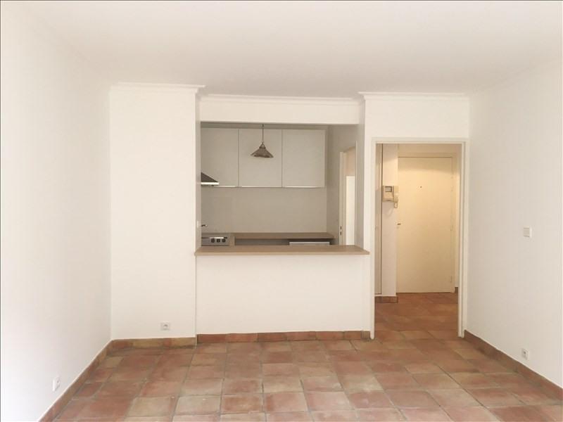 Location appartement Aix en provence 995€ CC - Photo 5