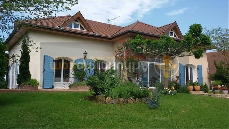 Vente maison / villa St etienne du bois 305000€ - Photo 1