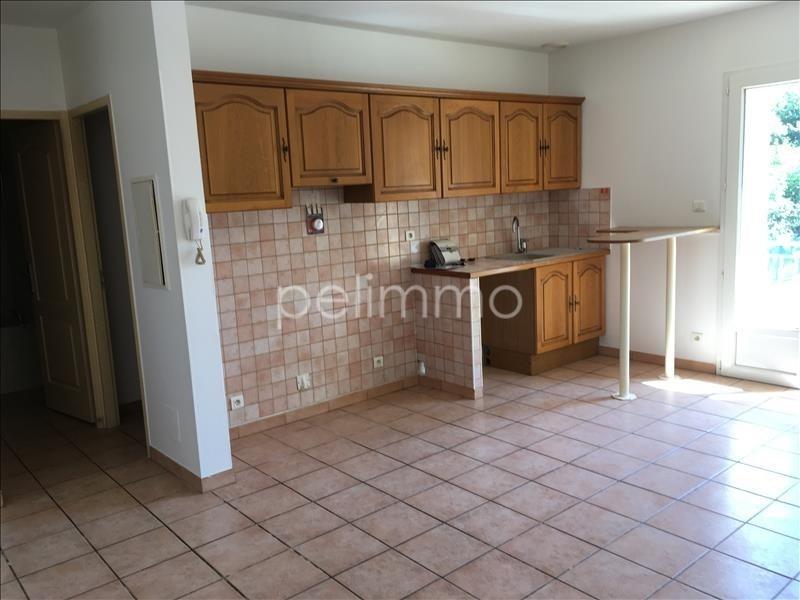 Rental apartment Salon de provence 560€ CC - Picture 2