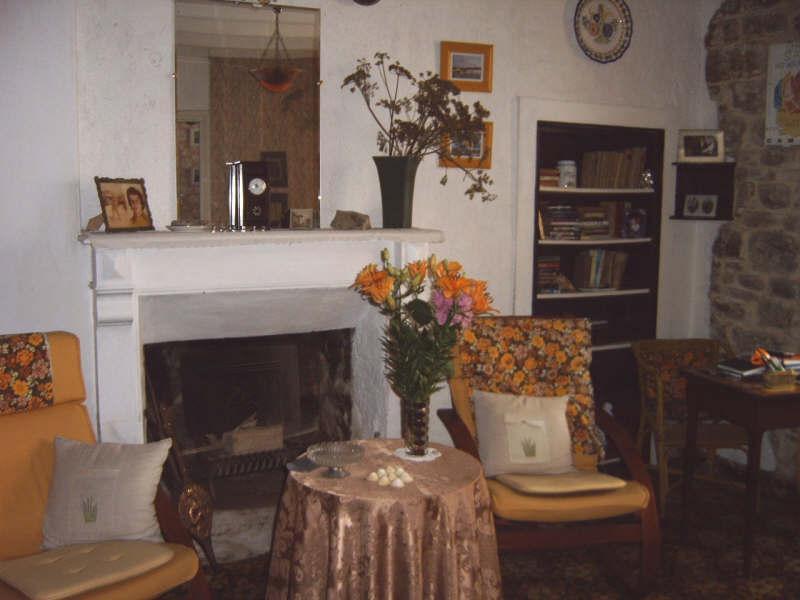 Sale house / villa Pont croix 53500€ - Picture 2