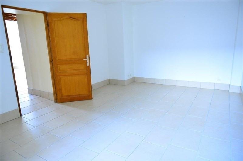 Rental apartment St quentin 568€ CC - Picture 2