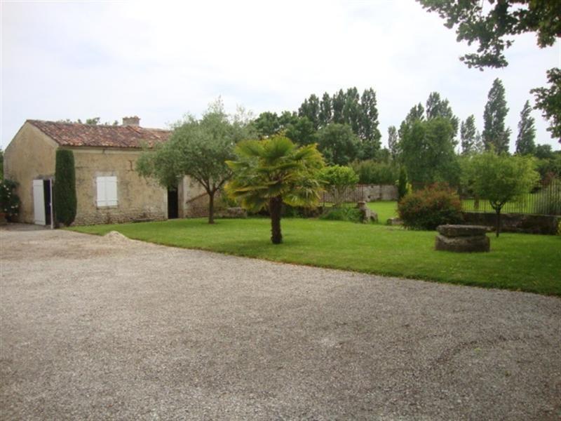 Vente maison / villa Saint-jean-d'angély 254400€ - Photo 4