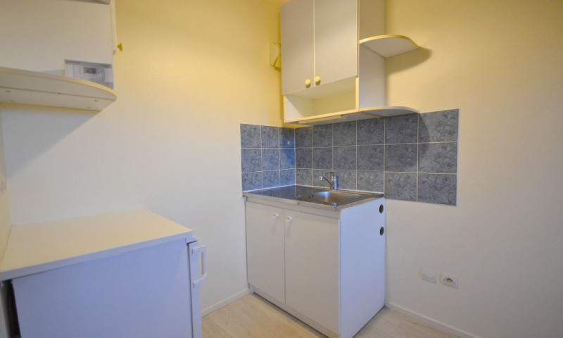 Rental apartment Plaisir 500€ CC - Picture 4