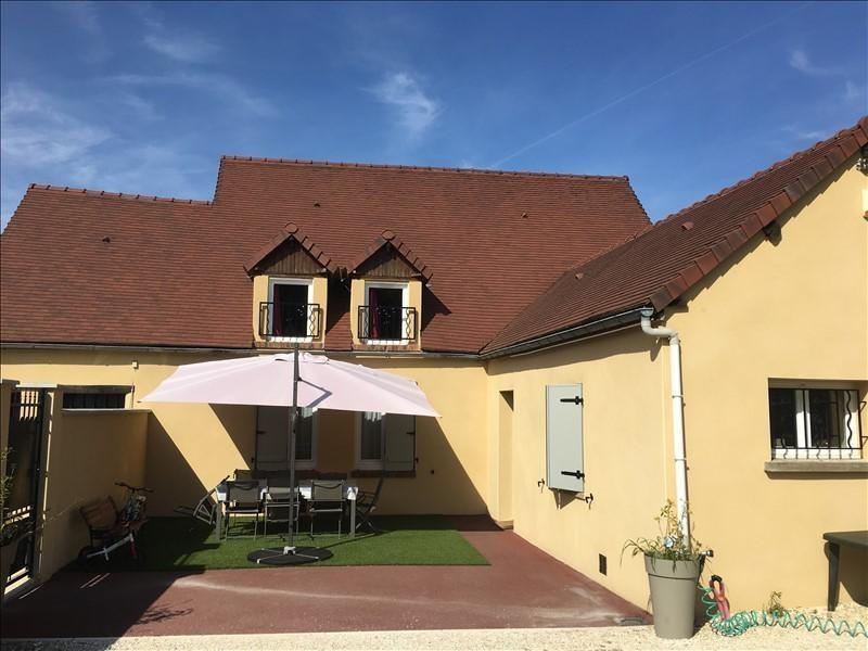 Sale house / villa Proche sens 180000€ - Picture 1