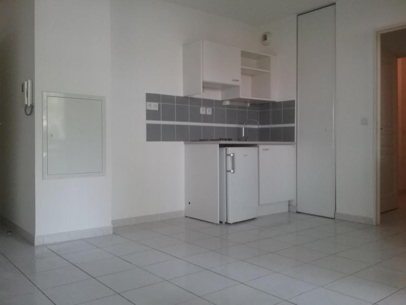 Location appartement Rousset 690€ CC - Photo 1