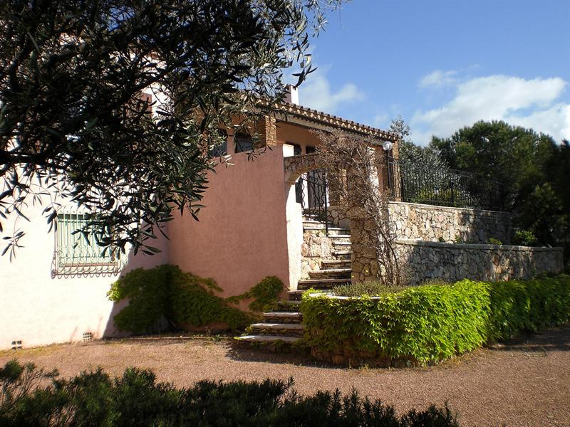 Vacation rental house / villa Les issambres 1710€ - Picture 1