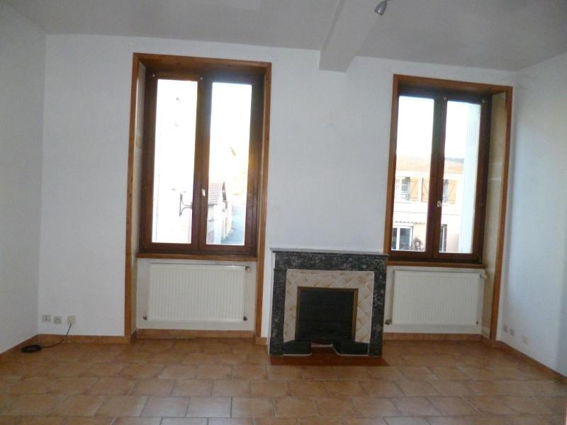 Location appartement Pontcharra sur turdine 460€ CC - Photo 2