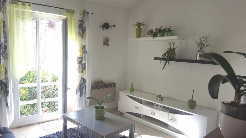 Location appartement Trets 600€ CC - Photo 1