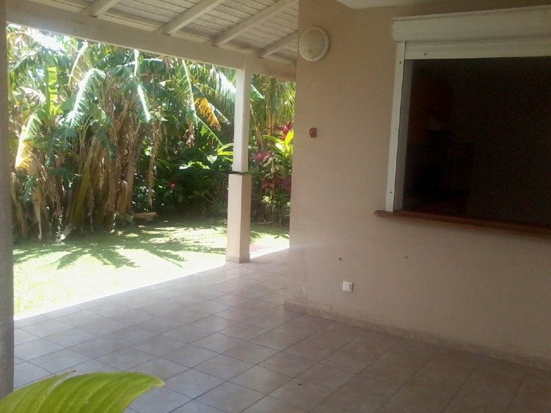 Rental house / villa Gourbeyre 946€ CC - Picture 1