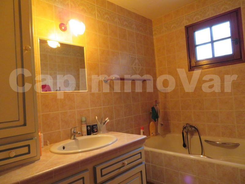 Sale house / villa Sanary-sur-mer 550000€ - Picture 13