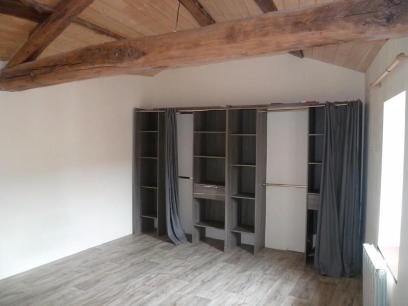 Sale house / villa St laurent de chamousset 94000€ - Picture 2